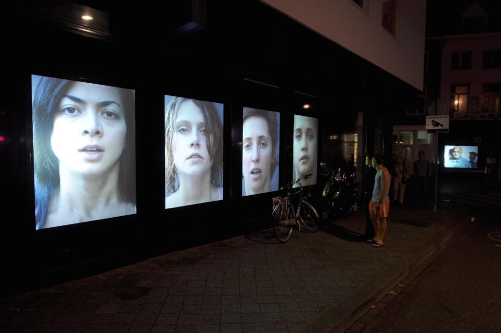 Inhale / Exhale (2005) - Michal Butink - Grote Gracht. Maastricht - foto Paul Koenen